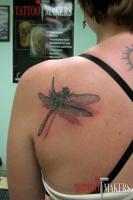 татуировка стрекозы в реализме